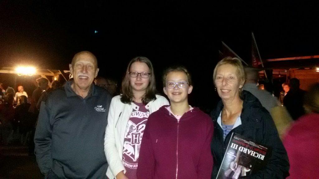 Dr. Pol en zijn vrouw met onze dochters Merel en Emma